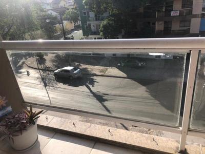 Esquadrias em vidro temperado